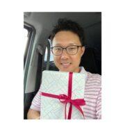 誕生日プレゼントをもらった福田健児