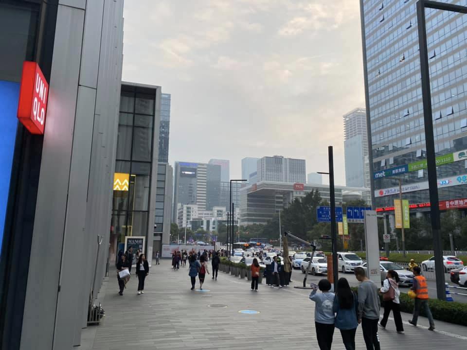 深セン,深圳,夜景,UNIQLO,ユニクロ