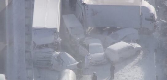 宮城県大崎市東北自動車道でホワイトアウトによる多重事故