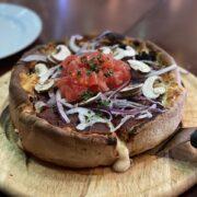『ブッチャー・リパブリック 横浜赤レンガ(BUTCHER REPUBLIC CHICAGO PIZZA & BEER)』のシカゴクラシックピザ