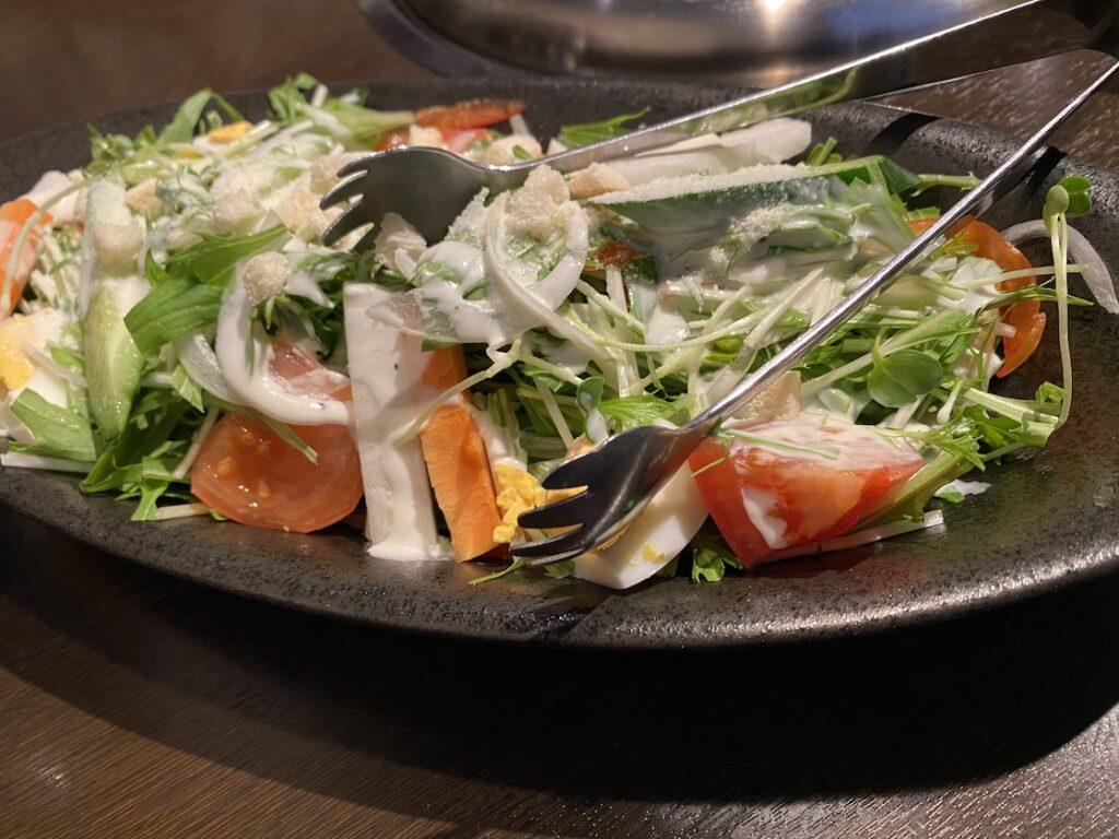 石川県加賀市の焼肉ダイニングあきちゃんのシーザーサラダ