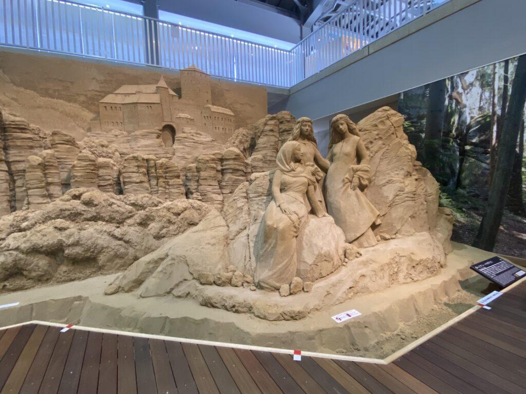 砂の美術館「チェコ&スロバキア編(Czechia&Slovakia)」ボヘミアン・パラダイス(制作者:スザンヌ・ルセラ)