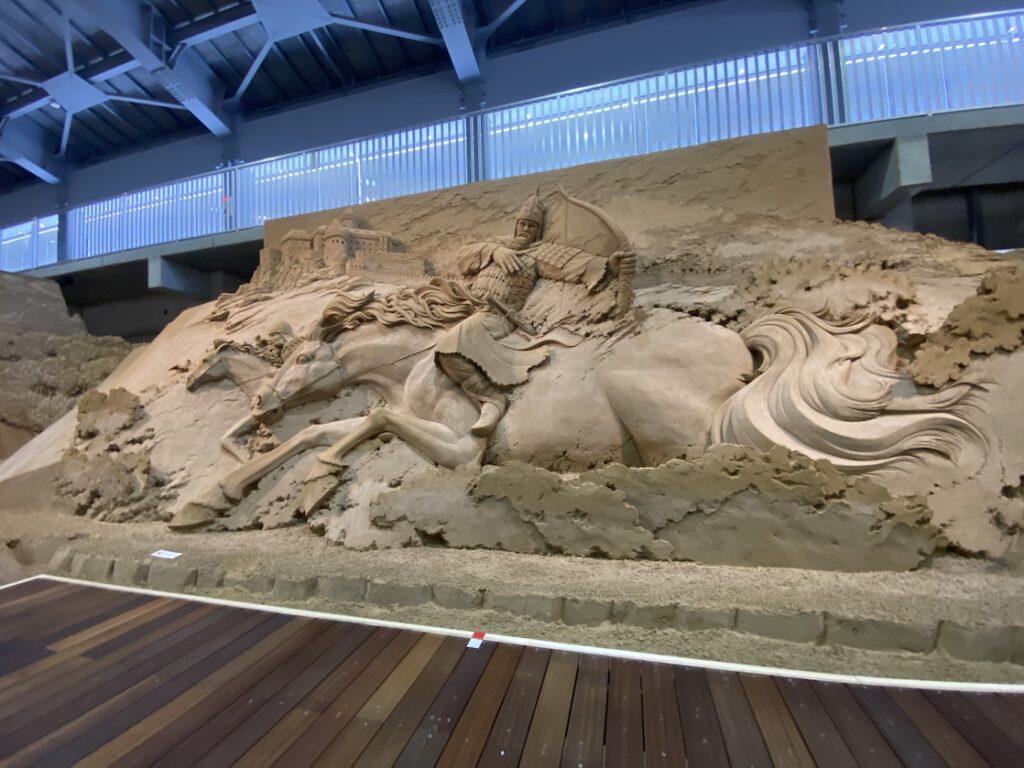 砂の美術館「チェコ&スロバキア編(Czechia&Slovakia)」スピシュ城とモンゴルの襲来(制作者:ジョヘン・タン)