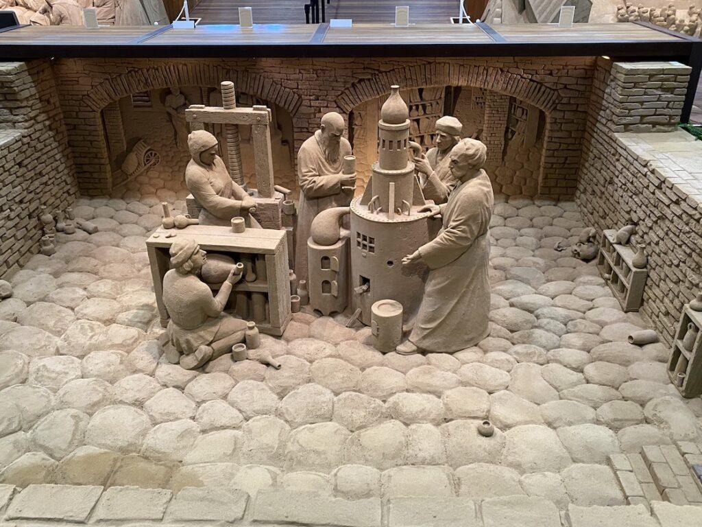 砂の美術館「チェコ&スロバキア編(Czechia&Slovakia)」プラハの錬金術(制作者:アンドリウス・ペトクス)