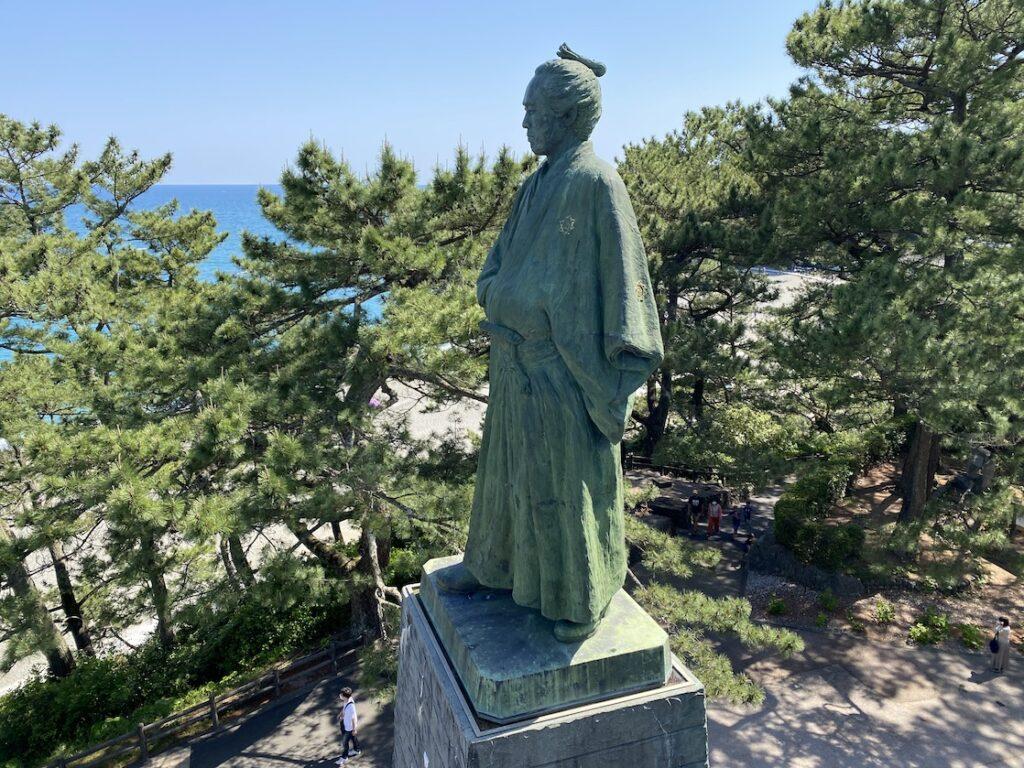 桂浜の坂本龍馬先生像